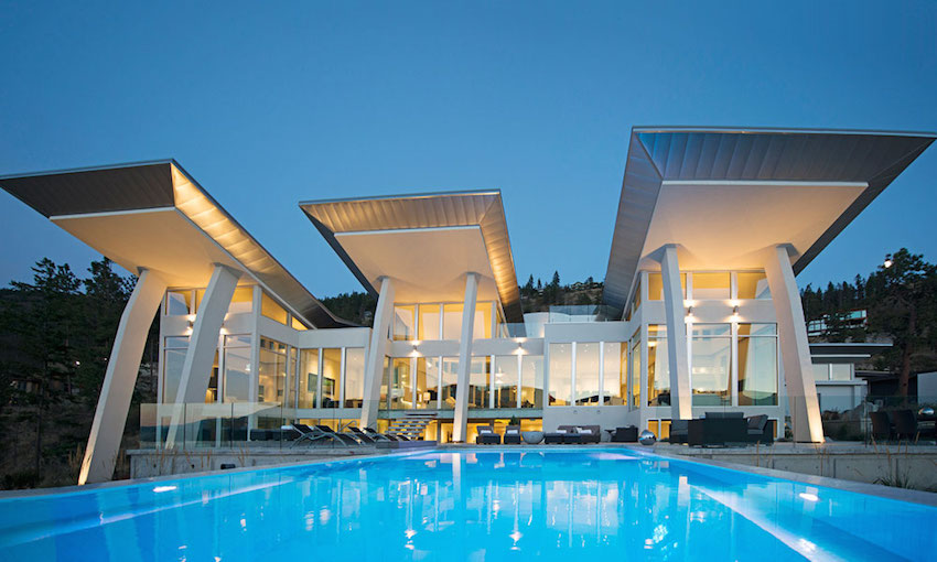 Chic Modern On Okanagan Lake By All Elements Pricey Pads