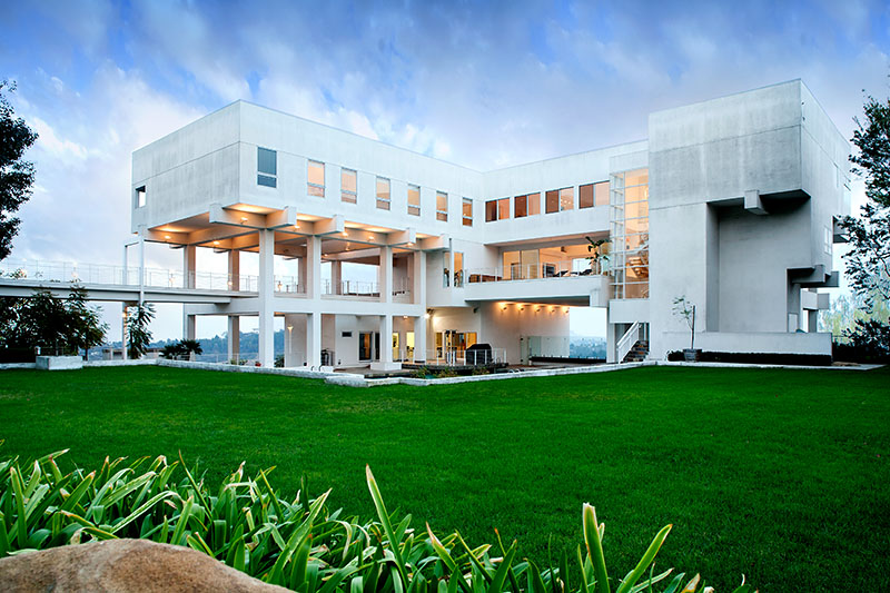 Stunning Modern Estate 16 500 000 Pricey Pads
