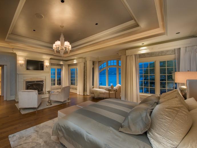 bedroom-evening