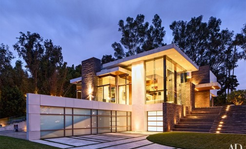Beverly Hills Contemporary by Whipple Russell Architects Featured in 2016 Comedy 'Why Him?'