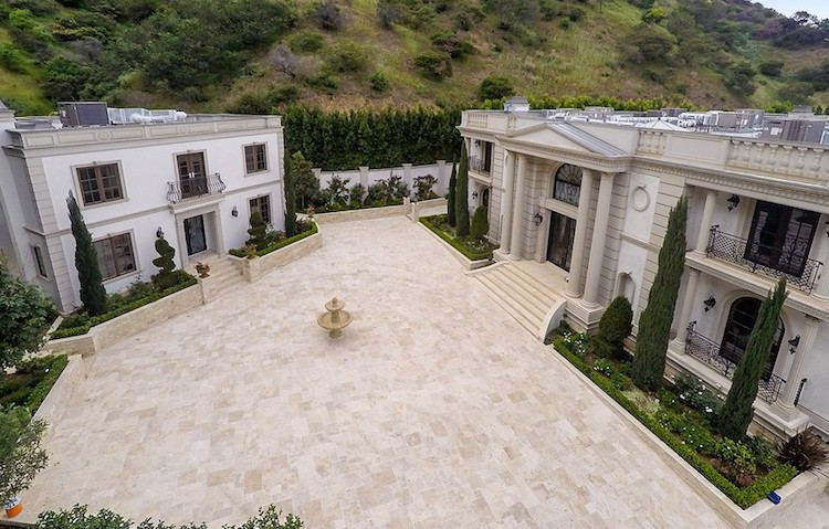 17 000 Sq Ft Bel Air Mansion Lists For 26 Million