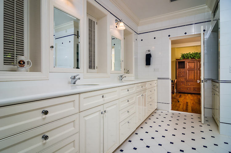 35-Guest-suite-bath