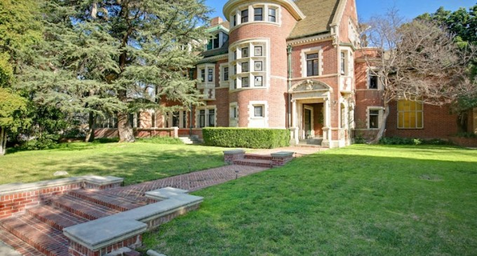 American Horror Story Mansion Sells for $3.2-Million (PHOTOS)