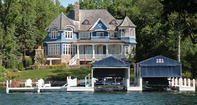 Lake Geneva Home Sells For 5 885 Million At Absolute