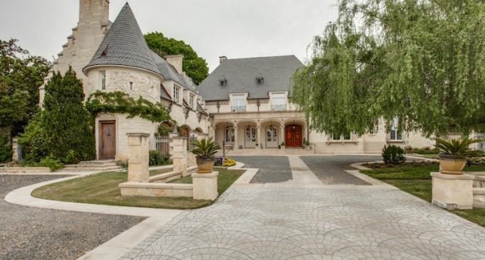 Texas Manor Lists for $2.6-Million (PHOTOS)