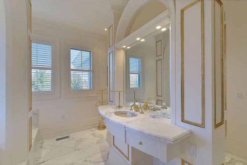 20 000 sq ft ontario manor reduced to for 7x8 bathroom ideas
