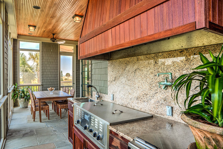 25-Fully-equipped-outdoor-kitchen