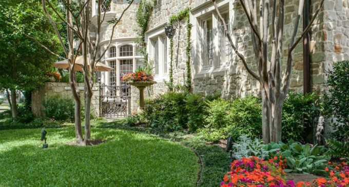 Deal Of The Week: Extremely Detailed English Manor in Texas for $4.25-Million (PHOTOS)
