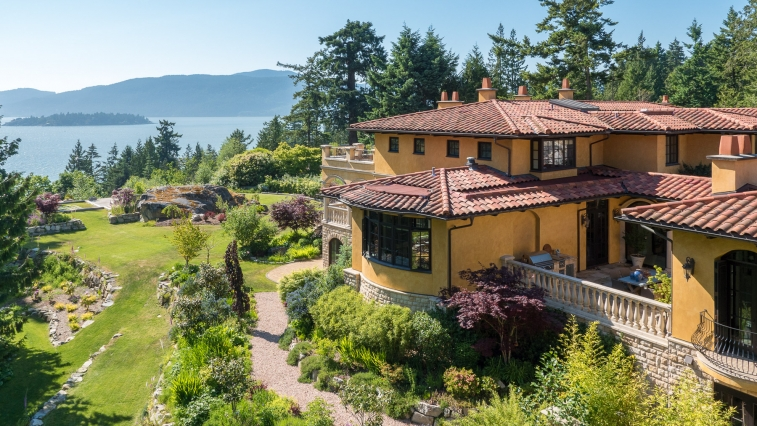 749x497_address-given-upon-request-caulfeild-west-vancouver-70-38154