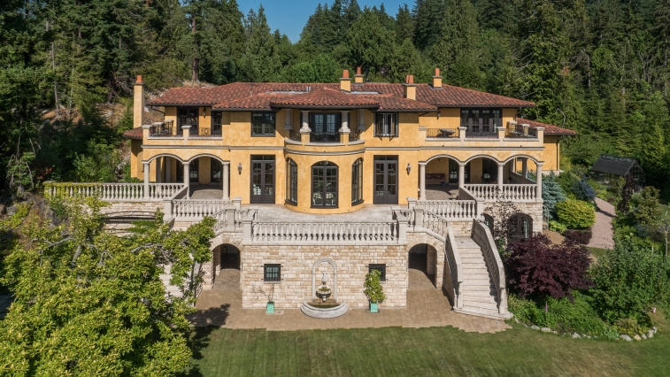 749x497_address-given-upon-request-caulfeild-west-vancouver-71-38144