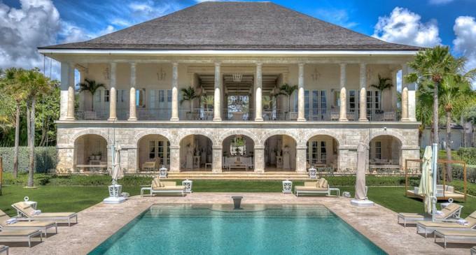 The Ultimate Vacation Experience Begins at Villas Las Brisas (PHOTOS)