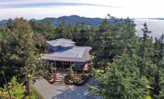 4.39-Acre Pender Island Retreat For $1.695-Million (PHOTOS & VIDEO)