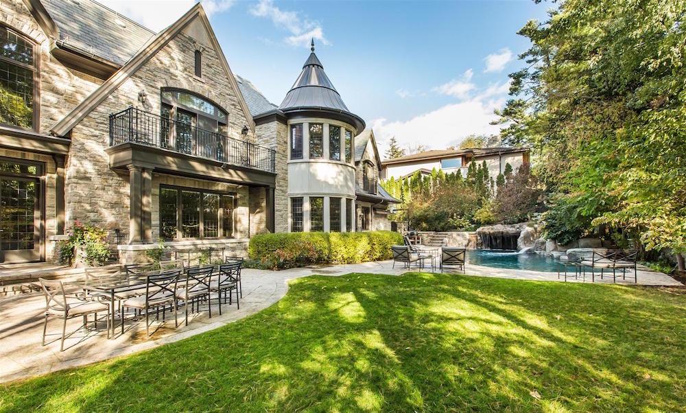000107_House_Backyard_4