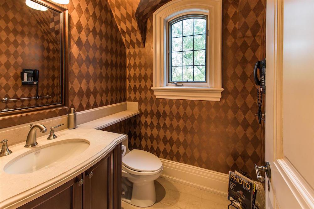 00063A_Bathroom2