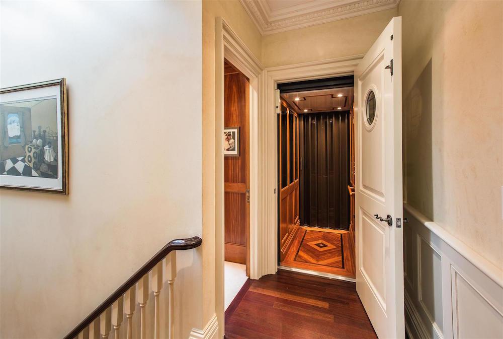 00070A_Elevator