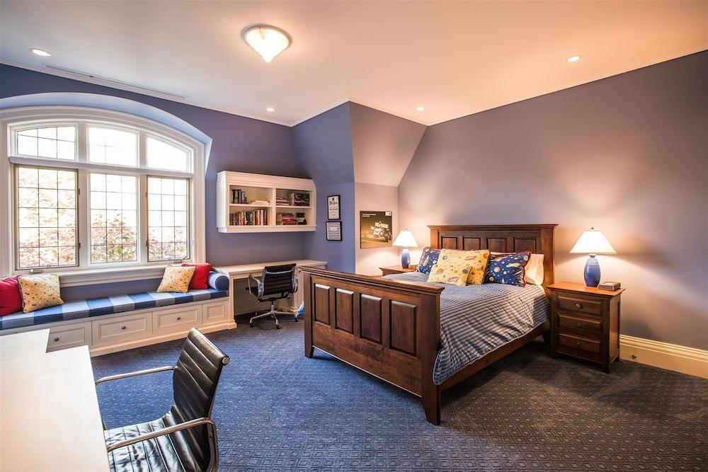 00079_Bedroom_Third
