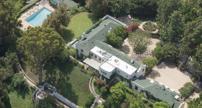 Taylor Swift Buys Iconic Beverly Hills Mansion For $25-Million (PHOTOS)