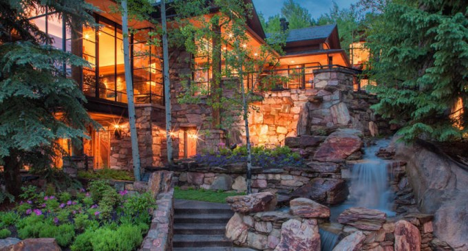 The pond house a masterpiece in aspen for Building a home in colorado