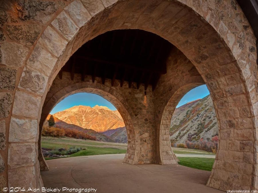Incomparable 22 000 Sq Ft Utah Quot Hobbit House Quot On 29 5