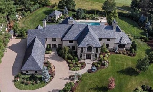 1.56-Acre Longmeadow Country Club Dream Home Yours For $2.95-Million (PHOTOS)