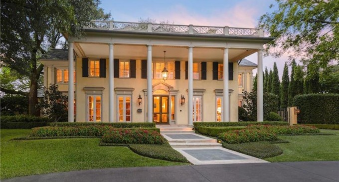 c.1922 Hal Thomson-Designed Neoclassical Manor for $11.95-Million (PHOTOS)