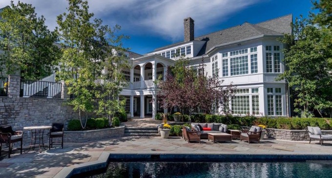 17,000 Sq. Ft. Southern Manor Yours For $4.95-Million (PHOTOS)