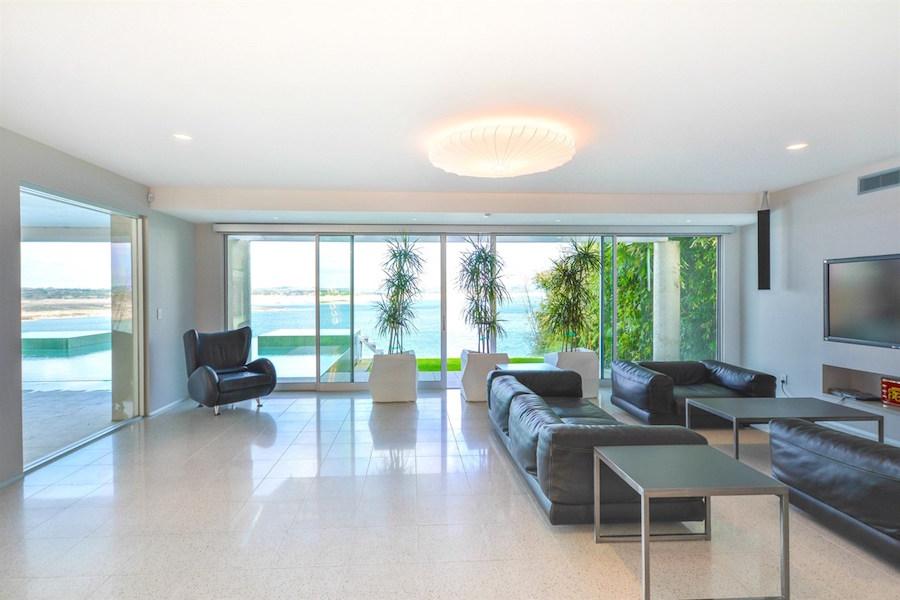 Lake travis acqua villa lists for 5 million photos for 14515 ridgetop terrace austin tx
