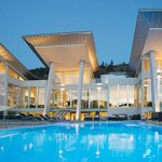 Chic Modern on Lake Okanagan Yours For $10.5-Million (PHOTOS & VIDEO)
