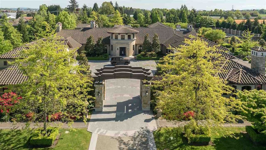 18 09 Acre Tuscan Inspired Estate In Richmond B C Yours
