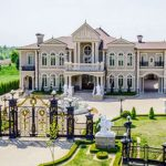 28,000 Sq. Ft. Canadian Palace Inspired By Palace of Versailles Lists For $14.888-Million (PHOTOS)