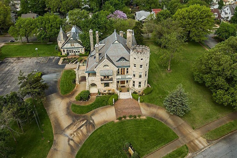 1886 campbell castle for sale in wichita kansas for Colonial reproduction homes for sale