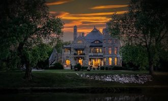 17 Bed, 19 Bath c.1886 Castle Goes On Sale For $3.5-Million in Kansas (PHOTOS)