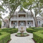'Grand Oaks' – 2.8-Acre Dream Property Lists In North Carolina For $3.3-Million (PHOTOS)