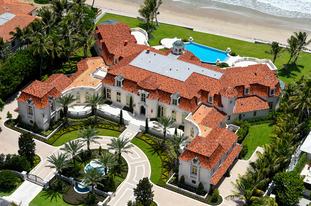 35 000 sq ft palm beach mansion reduced to 69 9 million for Beach mansions for sale