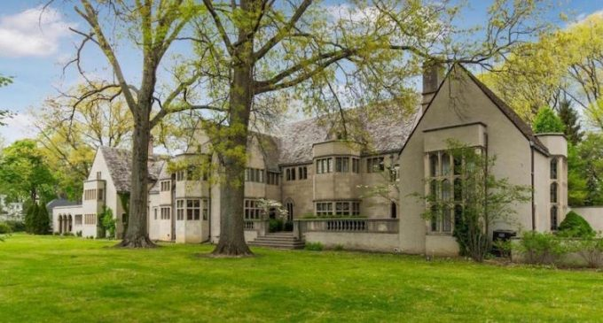 Cash In Your $2.488-Million Vancouver Teardown And Buy This $2.29-Million c.1926 Ohio Castle (PHOTOS)