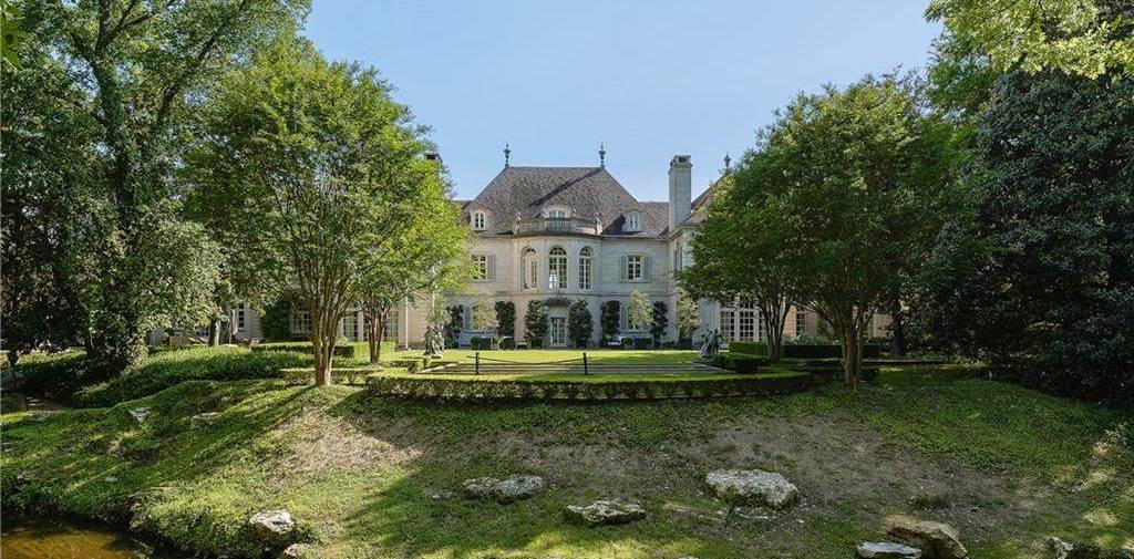 Historic 27,000 Sq. Ft. Crespi-Hicks Estate Sells for $48.9M, Prev. $135M (PHOTOS & VIDEO)