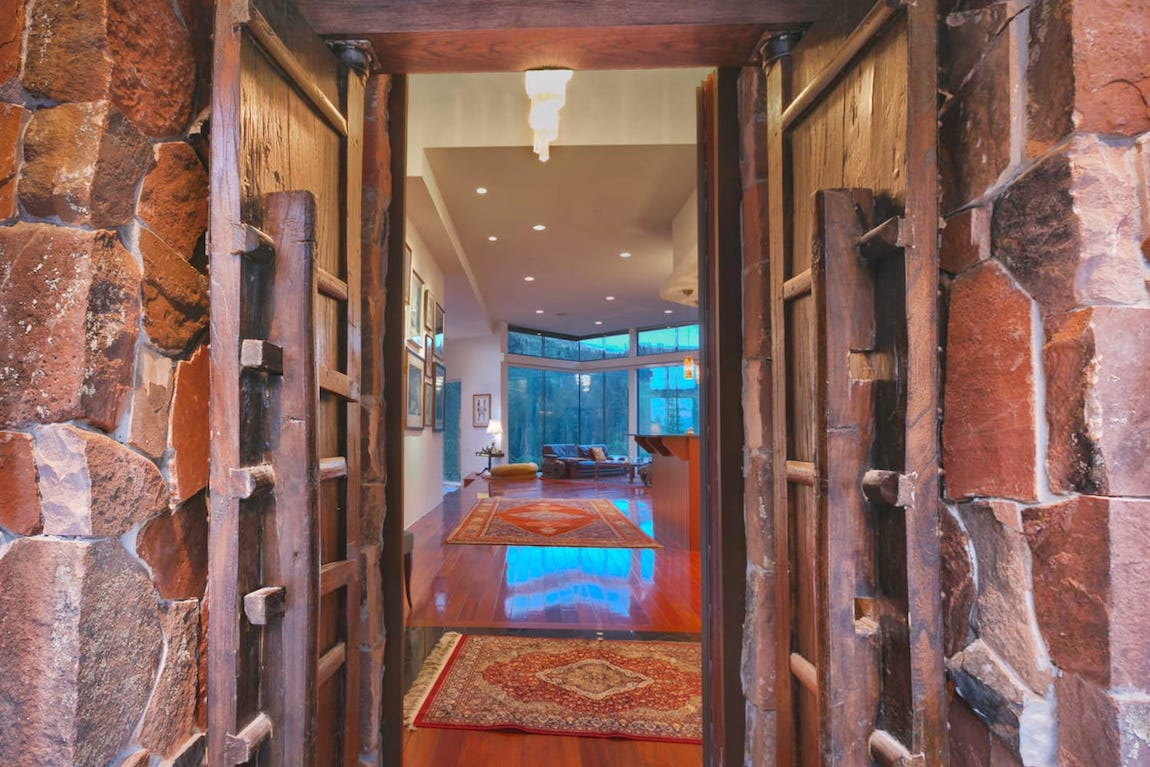 18 9 acre mountain estate with pneumatic glass elevator for Indoor elevator
