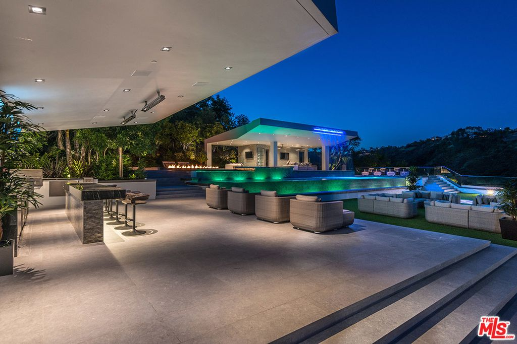 31 000 Sq Ft 12 Bed 24 Bath California Mansion With