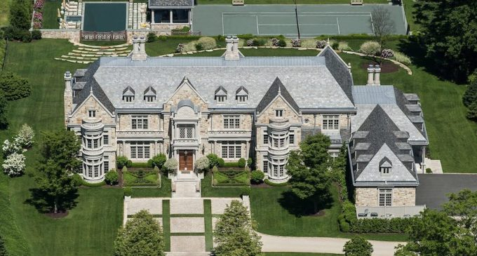 Jacobean Country Home in Greenwich, CT By Wadia Associates (PHOTOS)