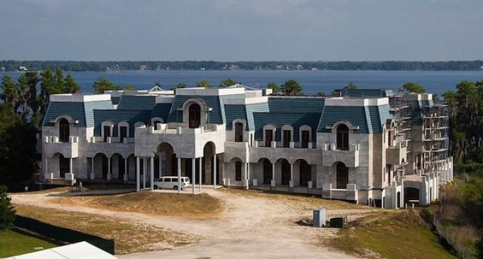 Jackie Siegel Enlists 'Flipping Out' Star Jeff Lewis to Finish Her 90,000 Sq.Ft. 'Versailles' Palace (PHOTOS & VIDEO)
