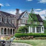Historic c.1903 'Castle Crest' Mansion in Jackson, MS for $1.7M (PHOTOS)