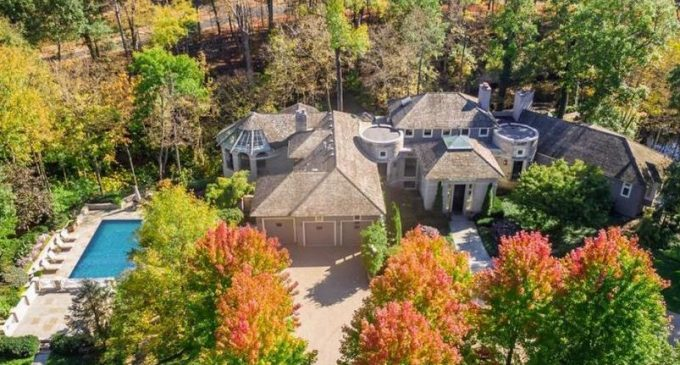 8,000 Sq. Ft. Deer Run Oasis on 7.8-Acres in Dublin, OH for $3.2M (PHOTOS)