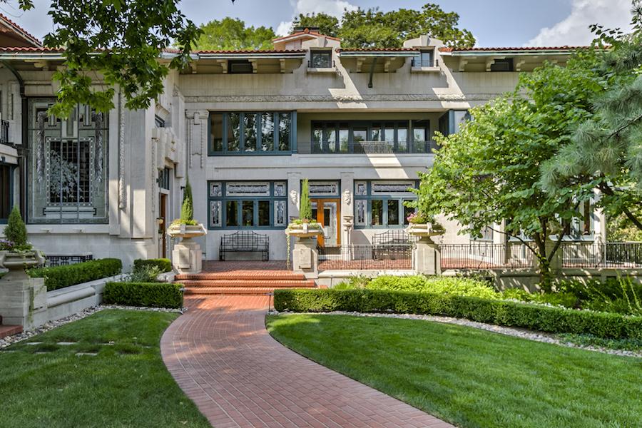 Kansas city mo s historic 1912 bernard corrigan house for Missouri home builders