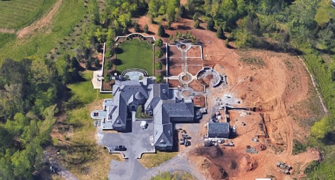 'The Bellamont' – A 17-Acre Dream Estate for $5.5M in Knoxville, TN (PHOTOS)