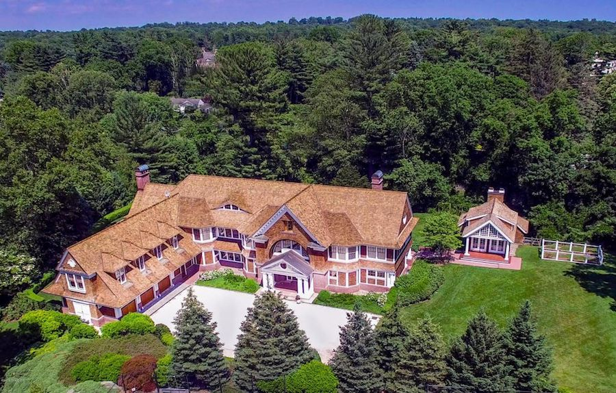 10 000 sq ft shingle style on 2 5 acre estate in for 10000 square feet to acres