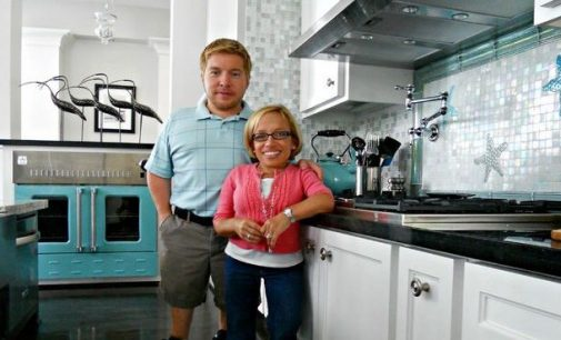 TLC's 'Little Couple' Reduce their Houston, TX home to $999K, Prev. $1.2M (PHOTOS)