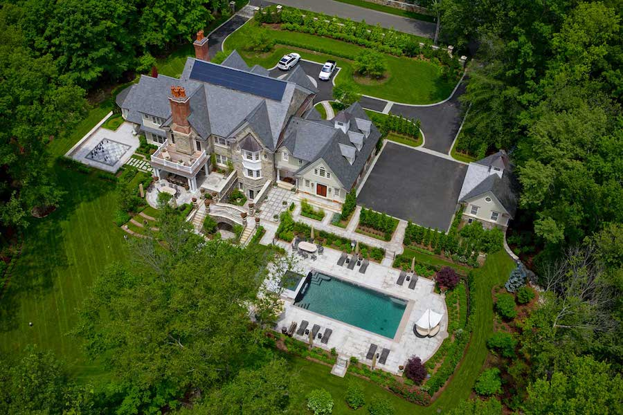 Mid Country Residence In Greenwich Ct