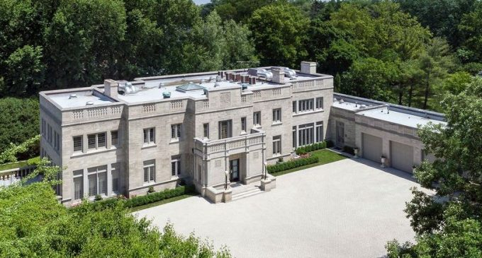 Historic c.1929 Winnetka, IL Manor on 1.25 Acres Hits the Market for $5.5M (PHOTOS)