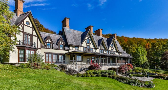 10 Canadian Dream Homes to Buy with Friday's $60M Lotto Max Jackpot (PHOTOS)