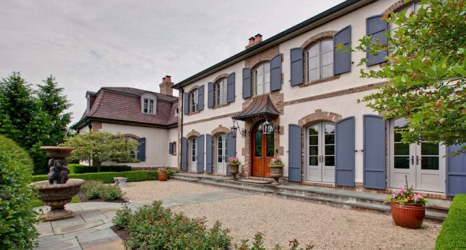 Legacy Built Dream Home on 1.57 Acres in Lake Forest, IL for $4.19M (PHOTOS)